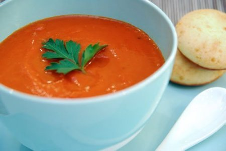 Roasted pepper, tomato and smoked sweet paprika soup with parmesan pao de queijo bread
