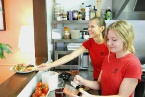mezze-salad-girls-ds