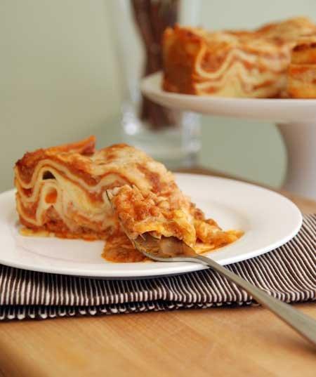 Lasagne alla bolognese pie